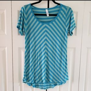 LuLaRoe Blue Chevron Stripe Short Sleeved Tee Sm